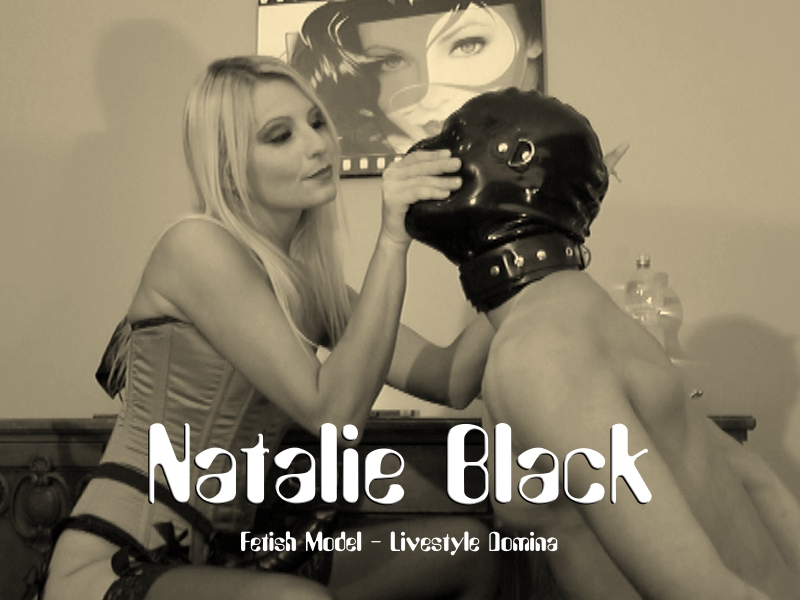Domina Natalie Black